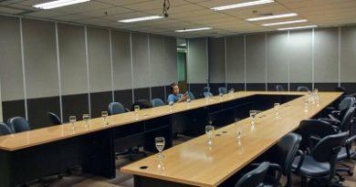 Partisi Geser Mandiri Tunas Finance Jakarta