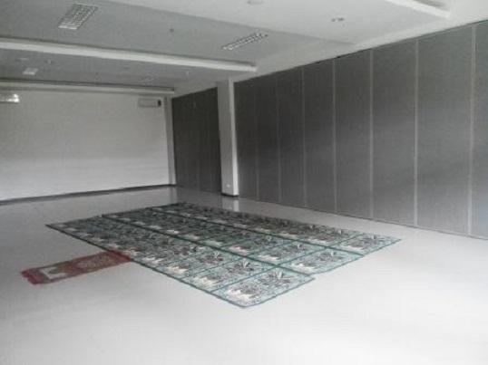 Partisi geser Hotel Max One Sukabumi