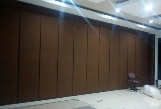 penyekat ruangan movable wall