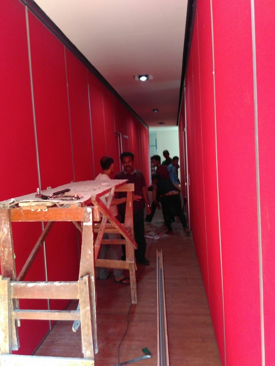 partisi movable wall geser